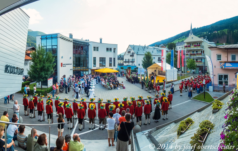 Ausstellungseröffnung und landseüblicher Empang