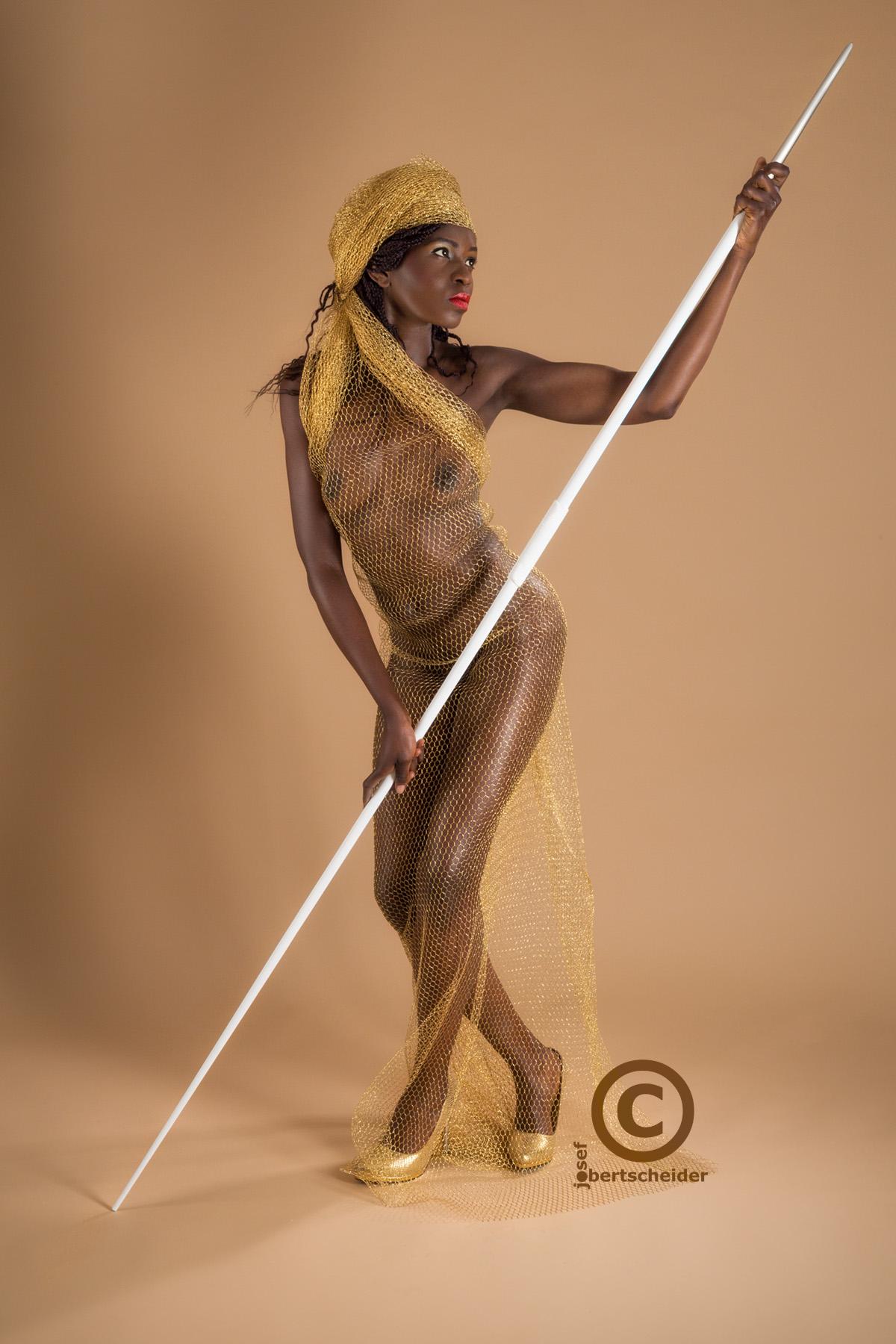 Studiofotografie mit Model Afroqueen Austria